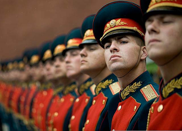 Russian Honor Guard at the Tomb of Unknown Soldier